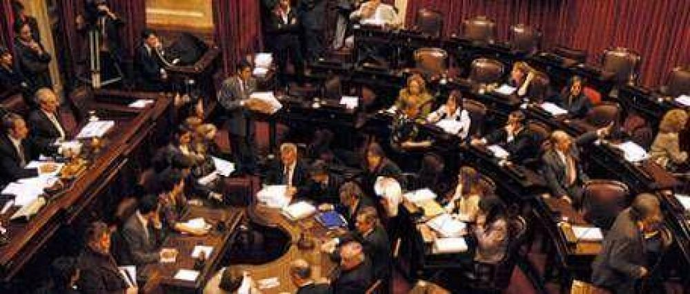 De 72 senadores sólo siete tuvieron asistencia perfecta