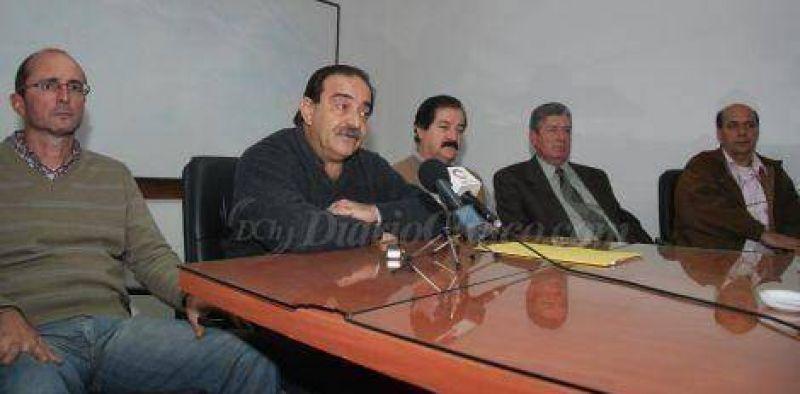 Federaci�n M�dica sostiene que Vel�zquez �miente� y �pretende confundir a la opini�n p�blica�