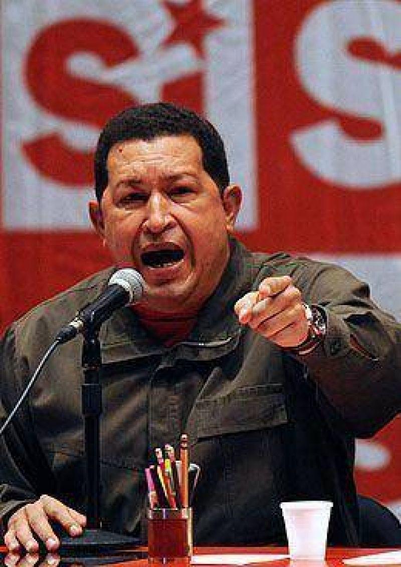 Chávez insiste con perpetuarse en el poder: