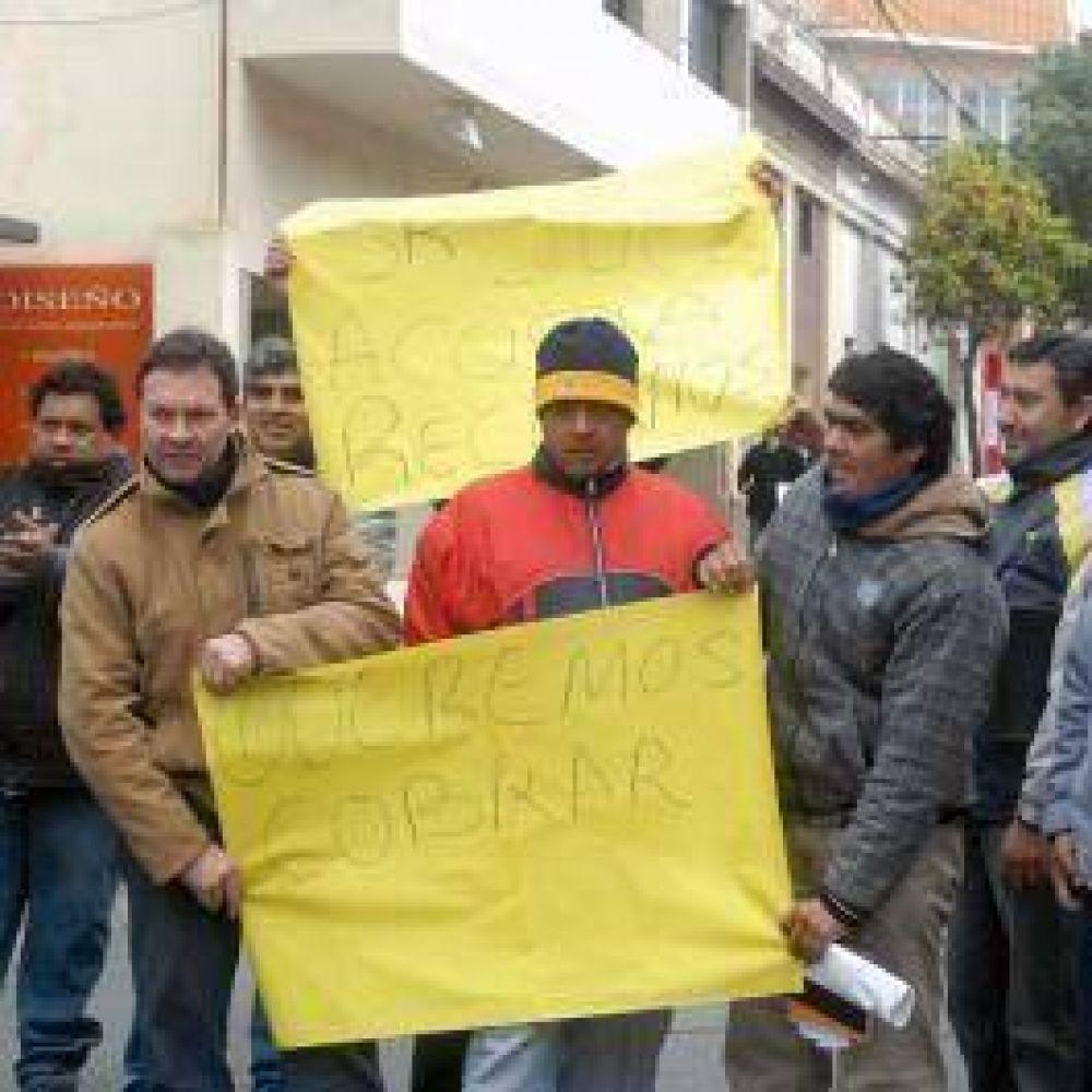Centro Living: ex empleados ahora reclaman por irregularidades en las listas de pagos
