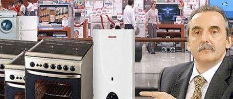Moreno ahora controlar� los precios para el canje de calefones, cocinas y lavarropas