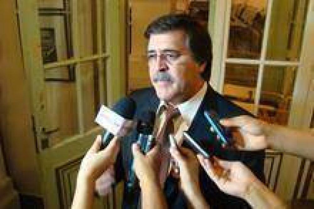 El Gobierno provincial reabrió el diálogo con los gremios docentes