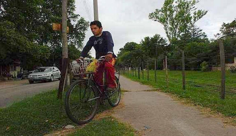 La ciclovía del noroeste, un paseo plagado de peligrosos obstáculos