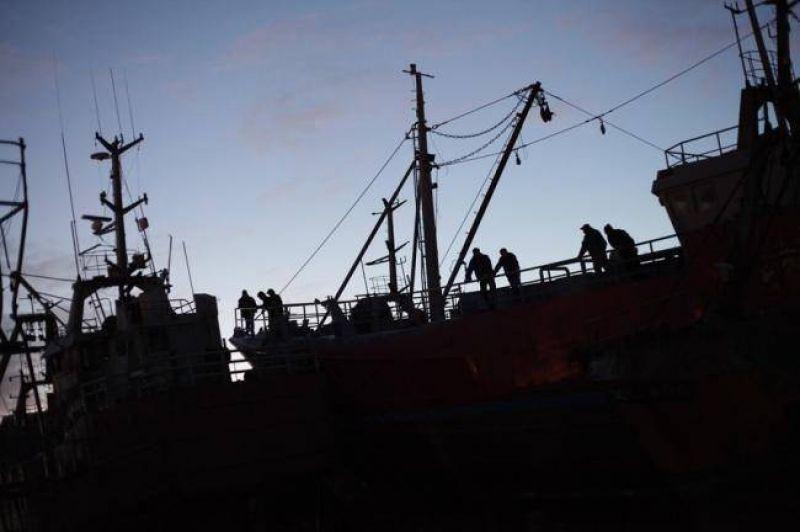Capitanes demorarán salida de barcos