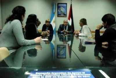 Adela Segarra presidió reunión con el Embajador de Palestina