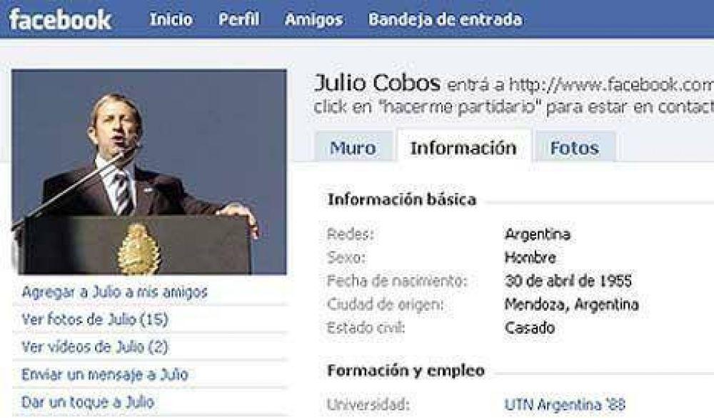 Cleto Cobos arma su espacio en Facebook