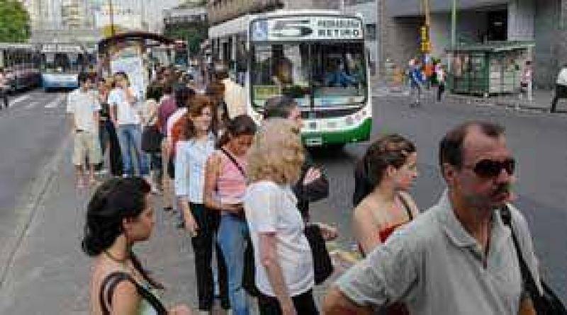 El pasaje de los transportes de la Provincia y la Ciudad es el m�s barato de la Argentina