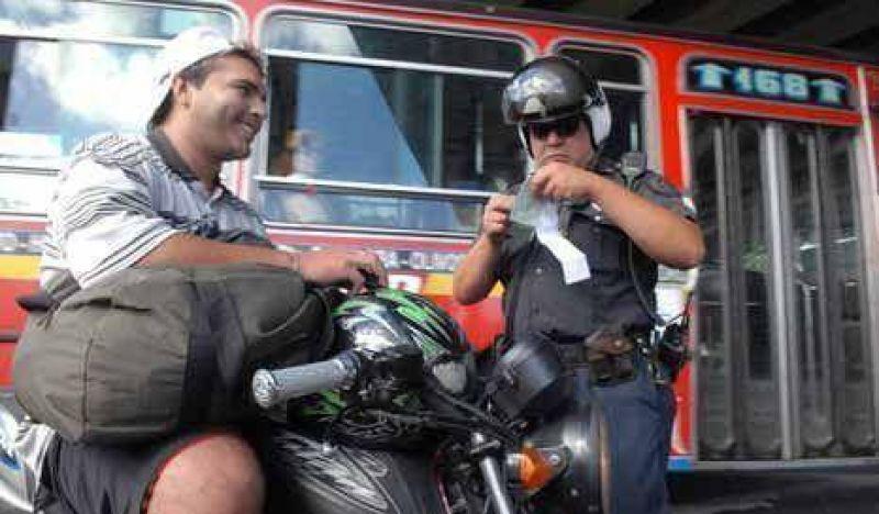 Scioli aplicaría el scoring si Macri adhiere a la Ley de Seguridad Vial