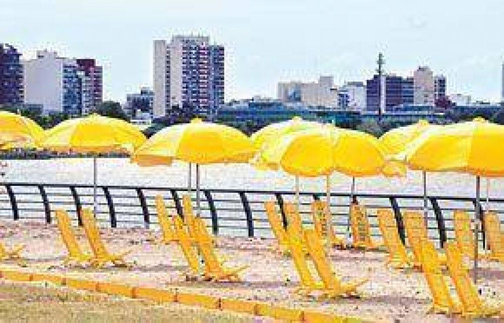 Hacen dos playas con arena para pasar el verano en la Ciudad