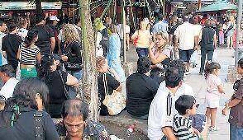Los turistas se quedan 3 d�as en Carlos Paz
