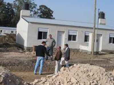 El Intendente recorrió las viviendas en construcción del Plan Federal II