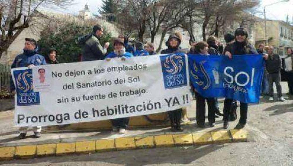 Volvieron a reclamar los trabajadores del Sanatorio del Sol