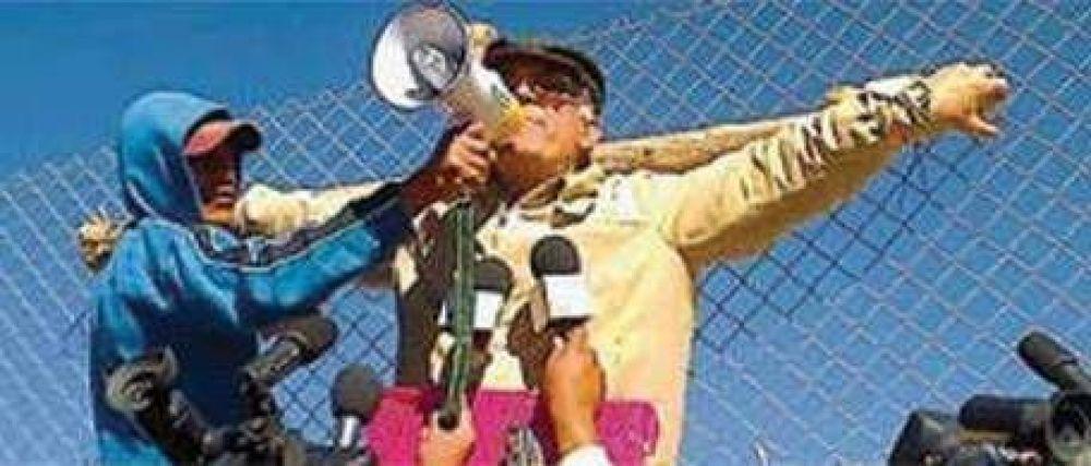 """""""El gobierno tiene la obligación de dar una respuesta"""", dice el padre Olmedo al comenzar una huelga de hambre"""