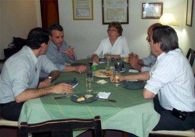 La Rectora de la Universidad de Villa Mercedes se reunió con los candidatos del Frente para la Victoria