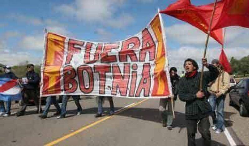 Para Busti, la papelera Botnia contamina pero los cortes también
