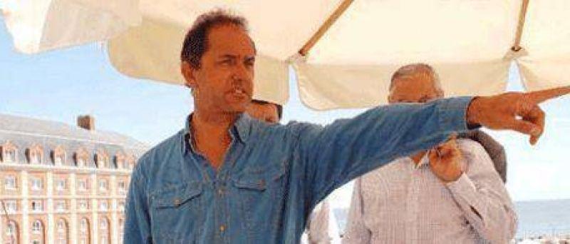 Cambio de vereda: Scioli pide que bajen las retenciones