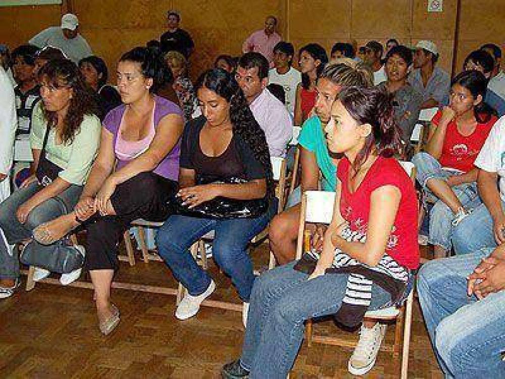 LOMAS I SITUACIÓN HABITACIONAL    El Municipio se reunió con representantes del asentamiento de Budge