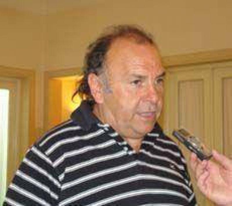 """Vidal: """"a algunos funcionarios les gusta resolver para los que queman gomas"""""""