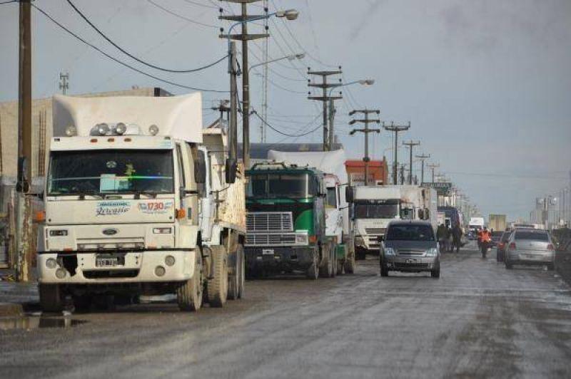 Camioneros amenazan poner en jaque todo el parque industrial en Río Grande Destacado