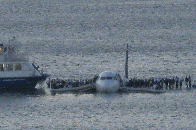 Terror en el aire; milagro en el agua