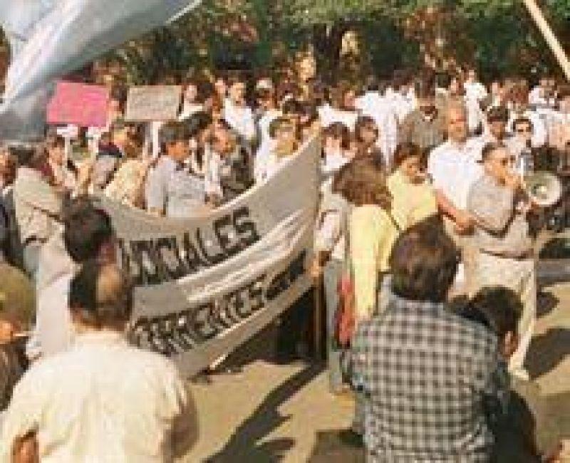 Trabajadores judiciales acusan de genuflexo a Rubín