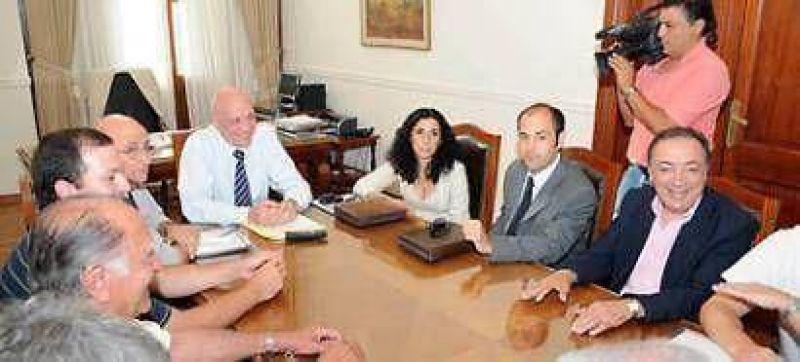 Bonfatti reconoció que se estudiará con el PJ un aumento de impuestos