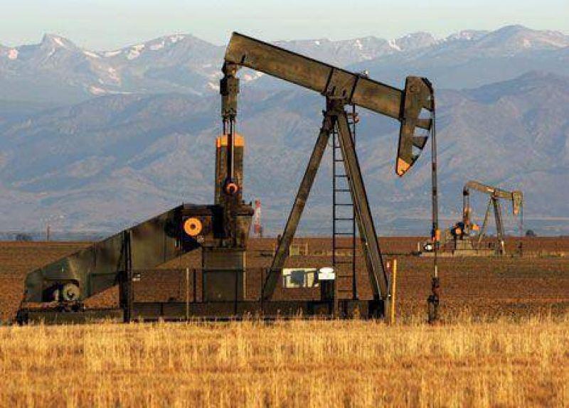 Recrudece la pelea entre las petroleras y el Gobierno por el precio del crudo