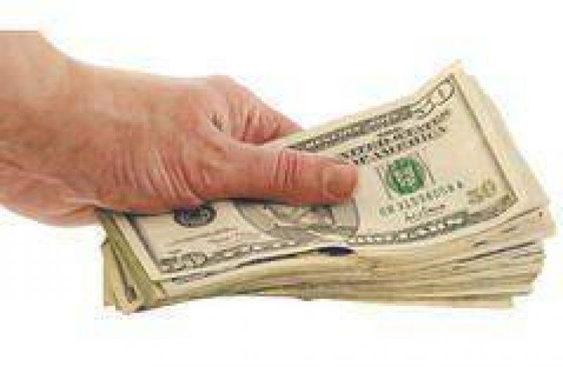 El d�lar inamovible: cerr� la semana a $ 3,47