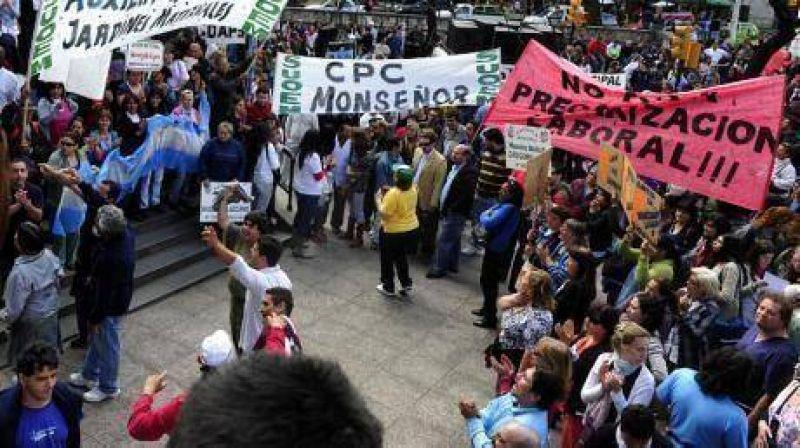 Se endurece la protesta del Suoem por los monotributistas