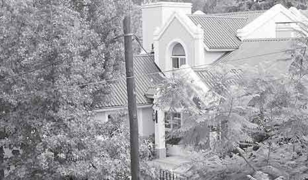 Rudy Ulloa ya tiene su mansión en San Isidro