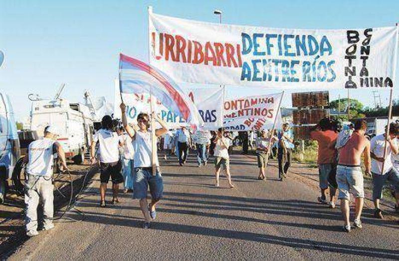 Ya debaten en Gualeguaych� si levantan el corte y buscan otra forma de protesta