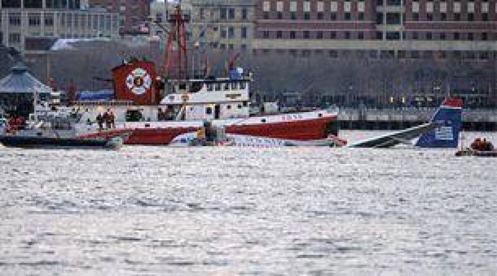 Revelan algunos detalles del accidente del avión que cayó al río en Nueva York