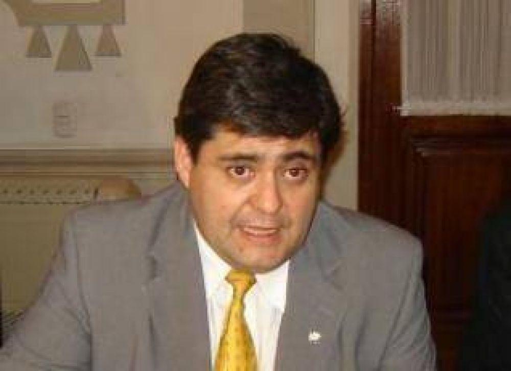 """El Ministro de Hacienda de Jujuy asegura que: """"El gobierno está en un brete"""""""