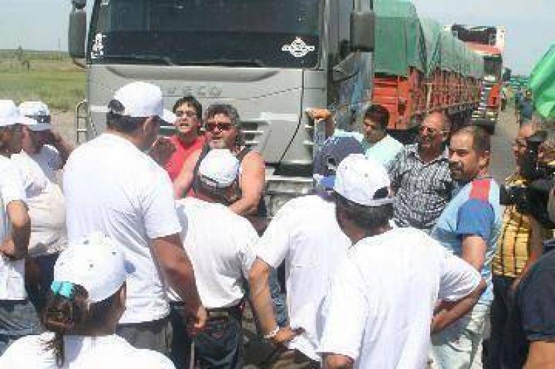 """Uatre ratific� la protesta, pero """"sin cortar rutas"""""""