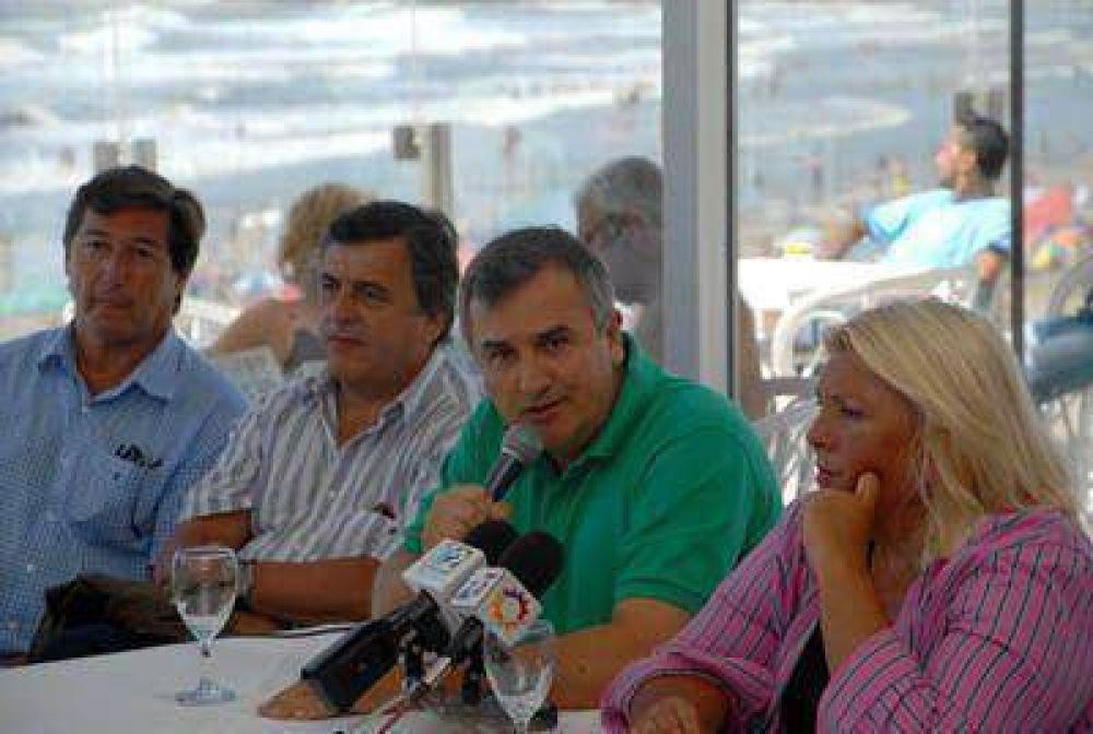 Partidos de la oposición buscan consolidar una alianza alternativa