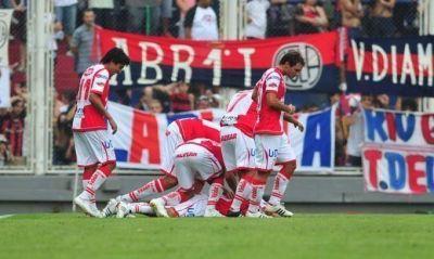 San Lorenzo perdió con Unión, acentuó su crisis y se mantuvo en la zona de la Promoción
