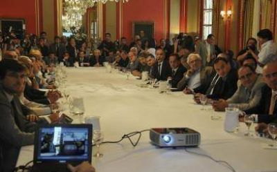 Scioli entregó fondos a municipios para recuperar patrimonio histórico