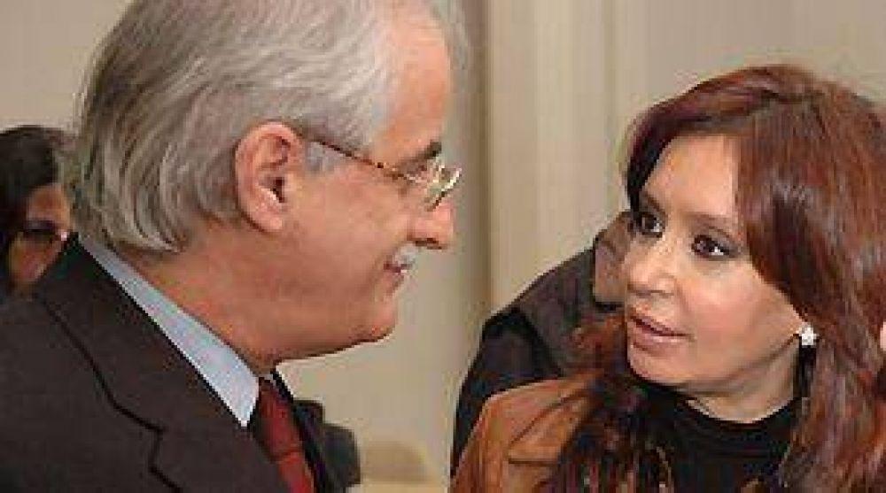 Para marzo, convocan a todos los embajadores argentinos