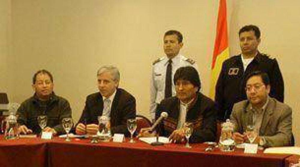Opositores a Evo proponen pacto, luego del triunfo del