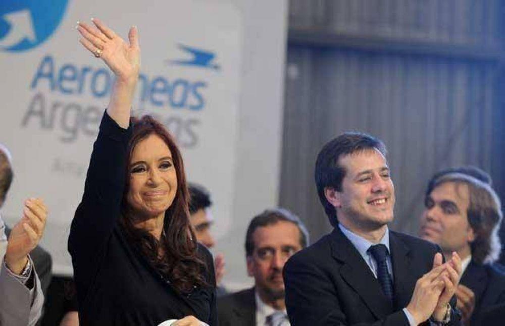 CFK respaldó a la conducción de Aerolíneas y cuestionó a los gremios de técnicos y pilotos