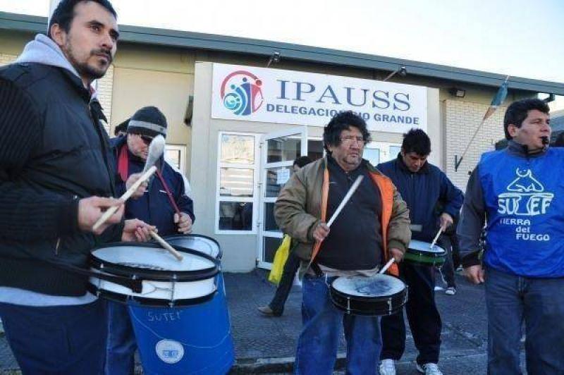 El salariazo político en el IPAUSS volvió a desnudar la interna en el SUTEF