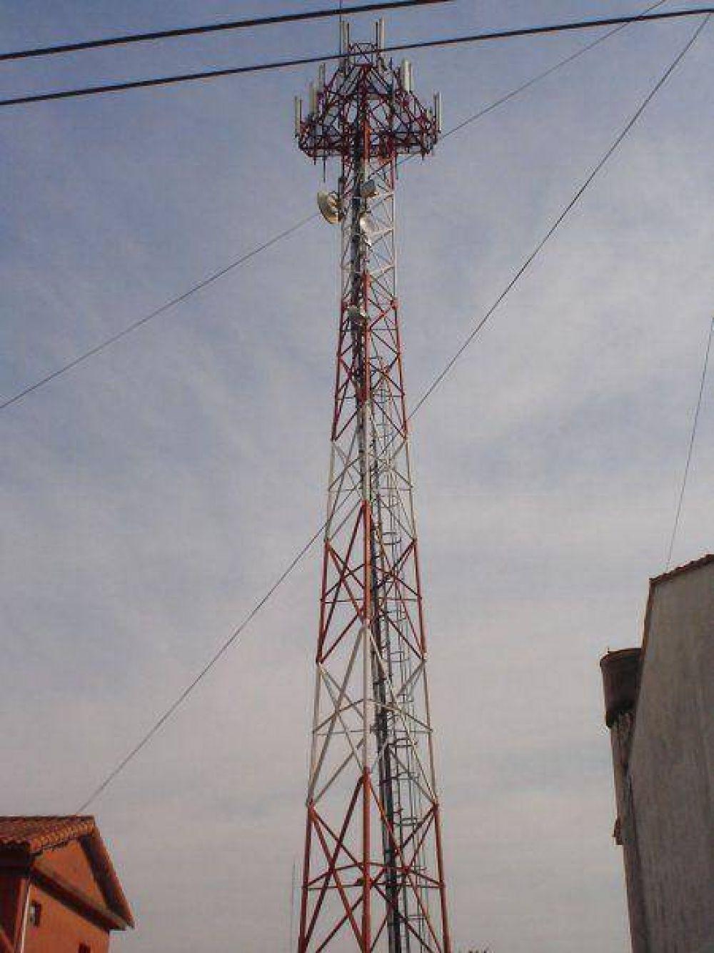 Antenas de telefonía celular Despierta curiosidad lo que aparece como un cambio de temperamento oficial