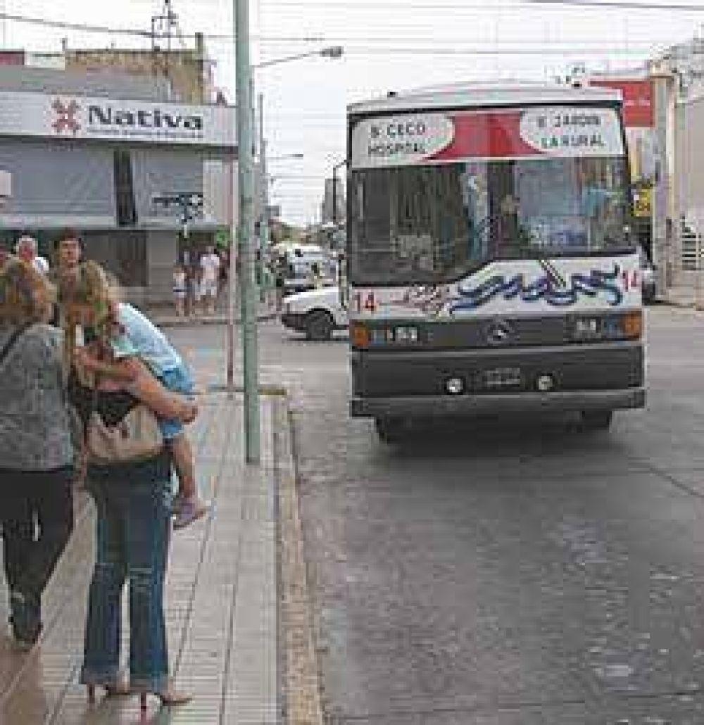 Otro aumento complicado en manos del Municipio: 25% en boletos de colectivos.
