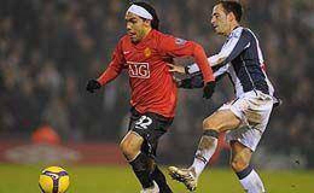 Tevez marcó en la goleada del Manchester.