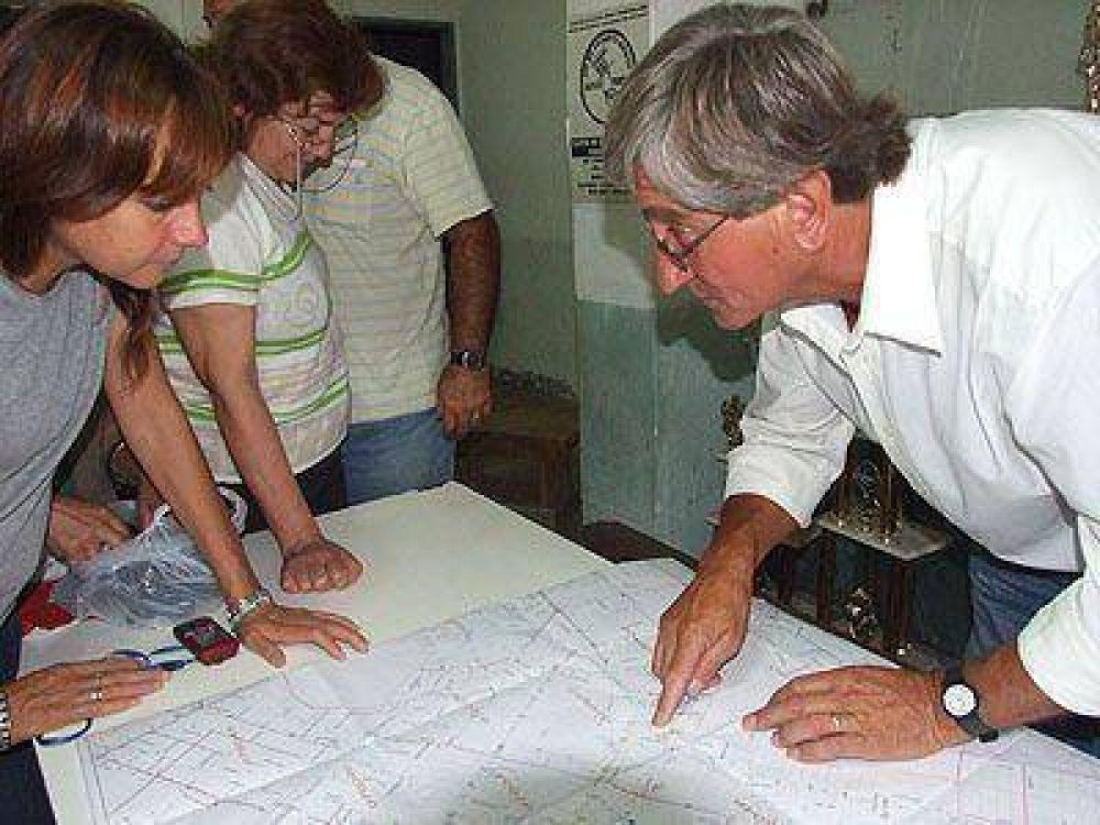LOMAS | UNA NOTICIA ESPERADA HACE TIEMPO    AySA y el Foro definieron obras para cuatro barrios de Lomas