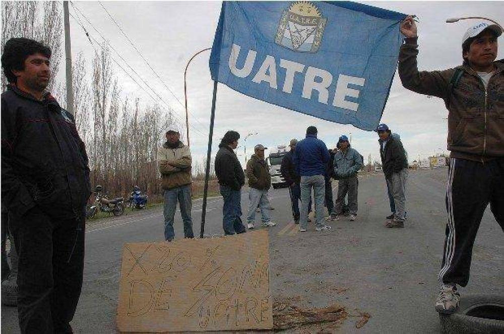 La UATRE mantiene cortes en los accesos a la ciudad