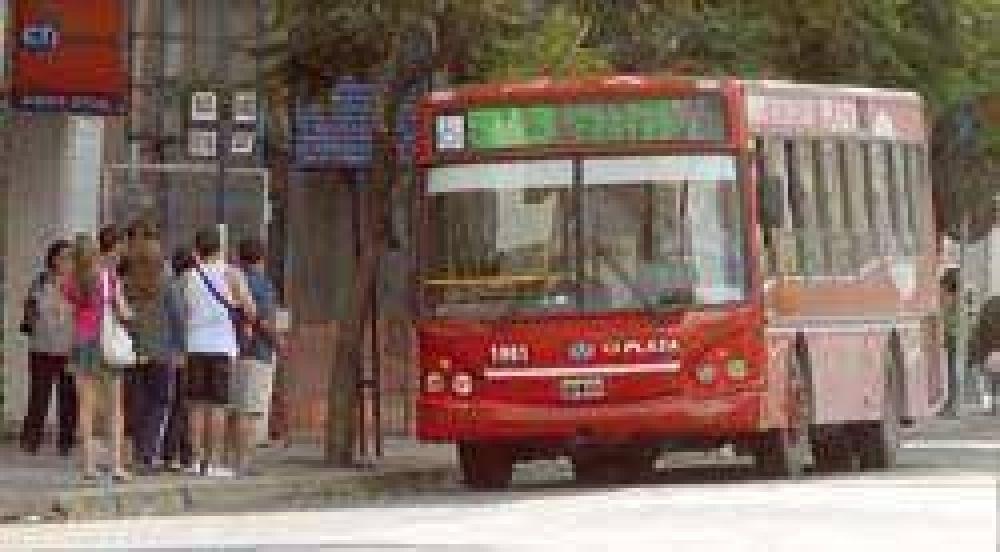No se iniciará el domingo el nuevo servicio de ómnibus.