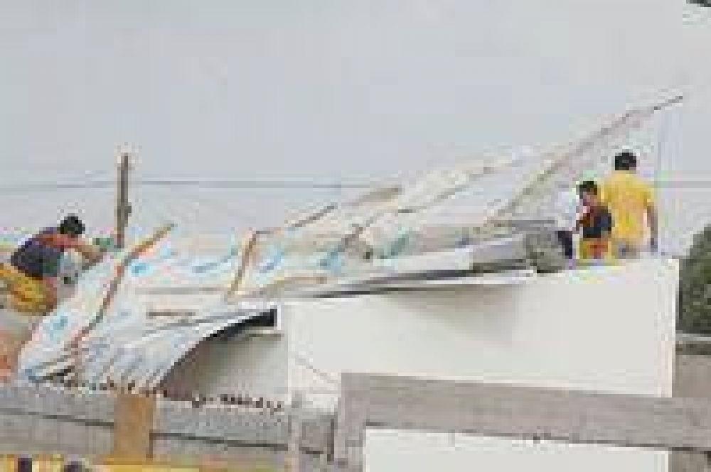 Un tornado dañó varias viviendas en barrio Juan Moreira de Trelew.