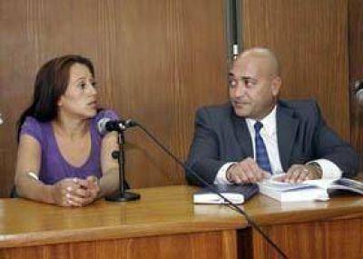 """Acusan de """"tentativa de homicidio"""" a la mujer que disparó contra policías"""