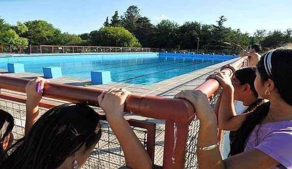 Los dos principales natatorios municipales están cerrados